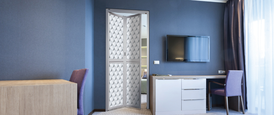 aluminium sliding door with blue wall